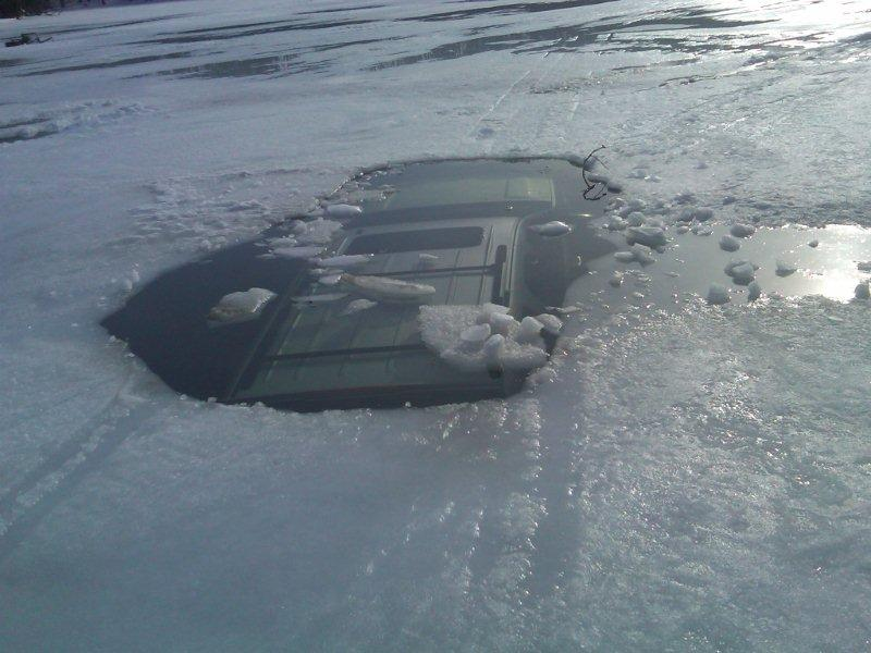 Vehicle Recovery from Lake